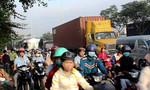 Quốc lộ 1 ùn tắc hơn 3 giờ do tai nạn liên hoàn