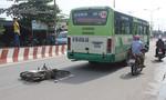 Xe buýt vượt đèn vàng tông chết nam thanh niên đi xe máy