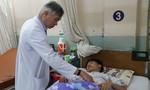 Bé trai 14 tuổi mang khối u 'đập theo nhịp tim', nguy cơ chết 'bất đắc kỳ tử'