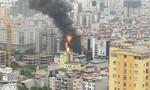 Nhiều căn nhà bị thiêu rụi trong đám cháy kinh hoàng lúc giữa trưa