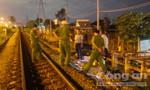 Leo qua rào chắn đường ray, thanh niên bị tàu hỏa húc văng