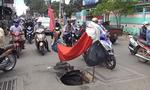 'Hố tử thần' sâu 2m gần cổng trường học