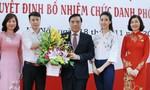 Hoa hậu Mỹ Linh giản dị về thăm thầy cô nhân ngày 20-11
