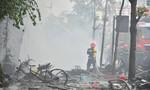 Hơn 23 giờ vật lộn với lửa của lính cứu hộ trong vụ cháy quán karaoke tại Hà Nội
