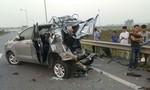 Xe chở 11 người đi ăn cưới bị tông khiến 4 người tử vong
