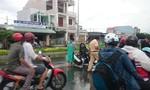 Xe 'mù' chở hàng cồng kềnh gây tai nạn giao thông