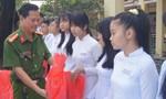 'Nắng vàng trên phố' giao lưu với học sinh
