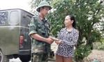 Nhặt được ví trên đường huấn luyện, chiến sỹ trẻ trả lại của rơi