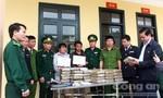 Bắt 2 đối tượng người Lào vận chuyển 60kg cần sa vào Việt Nam
