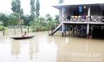 Mưa lớn, thủy điện xả nước: Người dân vội vã chạy dòng lũ dữ