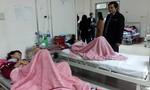 Hàng chục người nhập viện do ngộ độc thực phẩm