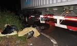 Xe container cán chết 2 phụ nữ trên đường phố Sài Gòn