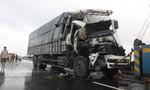 Tai nạn thảm khốc, tài xế tử vong kẹt trong cabin