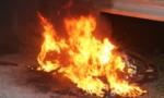 Nghi chập điện, xe máy đang lưu thông bốc cháy trong đêm