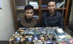 Bắt quả tang hai thanh niên mua bán gần 100kg pháo nổ