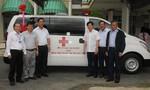 Báo Công an TP.HCM bàn giao xe cứu thương tại Bạc Liêu