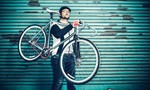 Rộ mốt đàn ông Pháp, Đức đi xe đạp