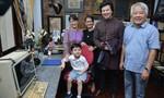 """'Thần đồng"""" piano gốc Việt đến thăm nhà cố nhạc sĩ Trịnh Công Sơn"""