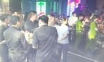 Đột kích hai quán bar giữa trung tâm Sài Gòn, tạm giữ hàng chục dân chơi