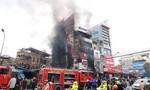 Lửa bốc cháy dữ dội trong siêu thị, nhiều người bỏ chạy toán loạn