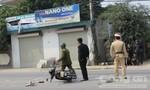 Ô tô đâm xe máy, một người vừa ra viện đã phải nhập viện