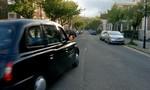 Cô gái bị tài xế taxi giam giữ và hãm hiếp suốt 13 năm