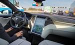 Clip xe tự lái Tesla dự đoán được tai nạn