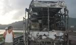 Xe khách giường nằm cháu trụi, 25 người thoát nạn