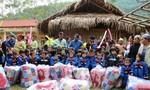 Trao 600 chăn ấm và áo mới cho học sinh nghèo miền núi