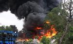 Cháy, nổ kinh hoàng tại kho phế liệu
