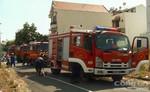Cháy nhà 3 tầng, người dân hốt hoảng