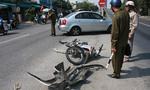 Ô tô tông xe máy hư hỏng nặng