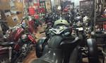 Garage mô tô 'hot' nhất Sài thành nhộn nhịp ngày đầu năm