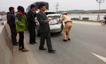 Xe tải đâm bay xe cô dâu 10 mét, cặp uyên ương suýt mất mạng