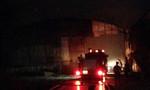 Xưởng dăm bào ở Phước Tân đang cháy lớn
