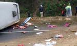 Xe khách Nam Định gặp nặn trên đường cao tốc, 6 người nhập viện