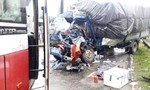 Xe tải tông xe khách,2 người thương vong