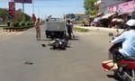 Xe máy tông thẳng vào xe tải, hai người nguy kịch