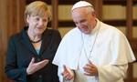"""Khi thủ tướng Đức """"giận"""" Giáo hoàng Francis"""