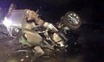 Hai xe ôtô đấu đầu, 7 người thương vong