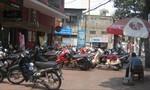 Bà con đường Lê Văn Sỹ, phường 12, quận 3 bức xúc nạn chiếm dụng vỉa hè làm nơi giữ xe