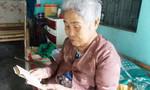 Người mẹ và những kỷ vật của liệt sĩ Gạc Ma