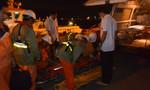 Trắng đêm cứu ngư dân bị chân vịt chém đứt tai trên biển
