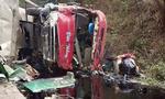 Xe bồn đâm xe khách: 2 người chết, 18 người bị thương