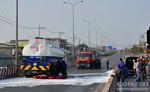 Xe tải đâm xe bồn chở xăng, quốc lộ 1A bị phong tỏa