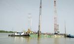 VEC điều khẩn cấp 2 cẩu công suất lớn đến hiện trường vụ sập cầu Ghềnh