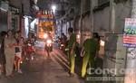 Hai thanh niên dùng dao tự chế chém nhau, cả khu phố náo loạn
