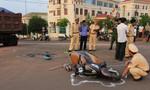 Va chạm với xe ben, một phụ nữ bị cán tử vong