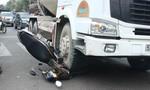 Xe bồn va chạm xe máy, 2 trẻ em nhập viện