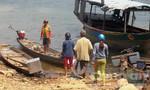 Chèo ghe thả lưới, một cặp vợ chồng chết đuối